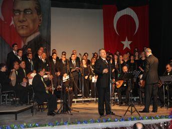 Nida Tüfekçi Türk Halk Müziği Korosu, yılın ilk konserini verdi