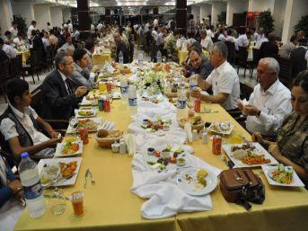 Valilik Şehit Ve Gazi Ailelerine İftar Yemeği Verdi