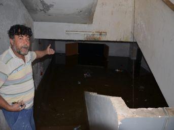 Viranşehir Cumhuriyet İlköğretim Okulu'nu Su Bastı