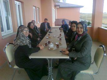 Ak Kadınların Sosyal Ziyaretleri
