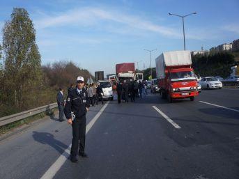 TEM'de Kamyon Kazası: 1 Yaralı