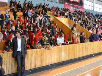Niğde'de Halk Oyunları Yarışması Düzenlendi