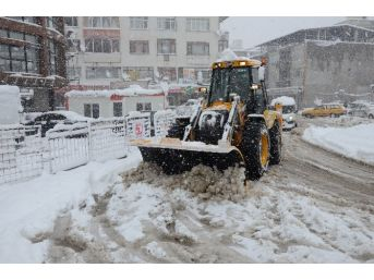 Düzce'de Karla Mücadele İçin Yoğun Mesai