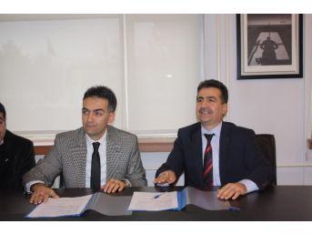 Erzincan'da Öğrenciler Karşılıklı Sivil Havacılık Uçak Eğitimi Görecek