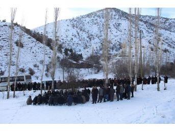 Köydeki Tarlayı Mezarlığa Bağışladılar