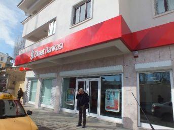 Ateşe Verilen Banka Yeniden Açıldı