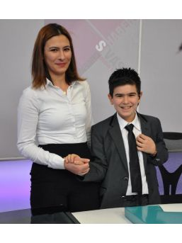 Gazeteci Güneş'in 11 Yaşındaki Oğlu Haber Sundu