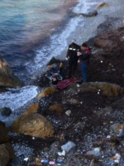 Liseli Sibel Sahilde Ölü Bulundu