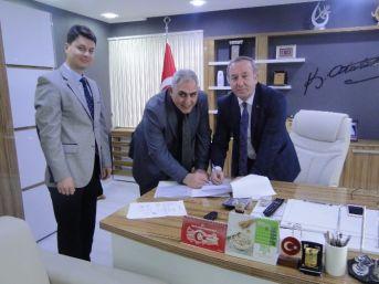 Sungurlu'da Belediye Personeli Maaşlarını Vakıfbank'dan Alacak