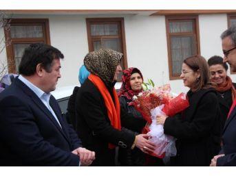 Bakan Ayşenur İslam: Devletin Şefkatli Eliyiz