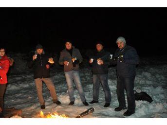Demirci'de Gazeteciler 10 Ocak'ı Zirvede Kutladı