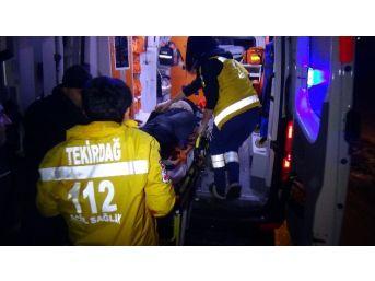 Halk Otobüsü İle Otomobil Kafa Kafaya Çarpıştı