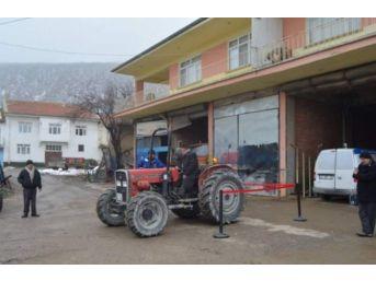 Dereçine'de Traktörler Muayeneden Geçti