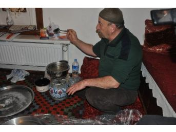 Sandıklı'da Kış Gecelerinin Geleneksel Eğlencesi Tel Helva