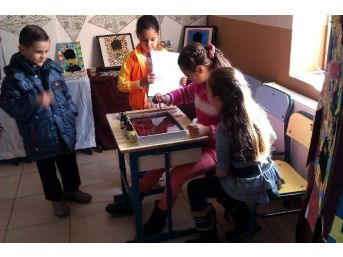 Koçarlı'da Minik Öğrenciler İlk Sergilerini Açtı