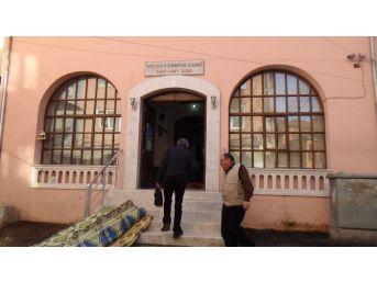 Camide Yapılan Hırsızlık Esnafı Çileden Çıkardı