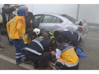 Sis Kazasında Araçta Sıkışan Kadın Sürücü Böyle Kurtarıldı