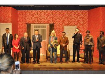 Düzce Şehir Tiyatrolarından Muhteşem Açılış
