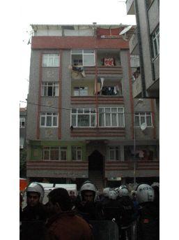 Savaştan Kaçan Suriyeliler, İstanbul'Da Dolandırıldı
