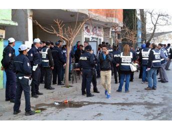Turgutlu'da Bin Polisle Huzur Operasyonu