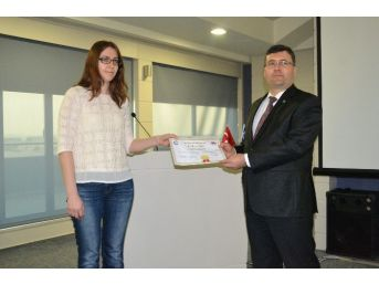 Çerkezköy Osb'de Düzenlenen Dış Ticaret Eğitiminin Sertifikaları Verildi