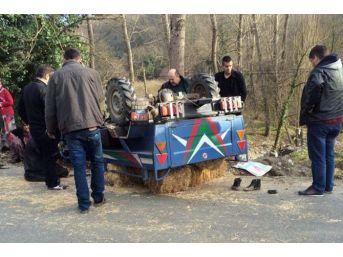 Kontrolden Çıkan Tarım Aracı Takla Attı: 5 Yaralı