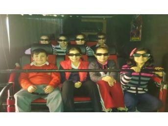 Saltukova Gazi Ortaokulu Öğrencileri 12 Boyutlu Sinema Keyfini Yaşadılar