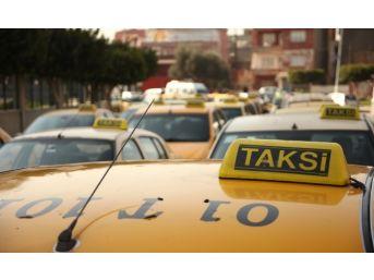 Araçları Kurşunlanan Taksiciler Eylem Yaptı