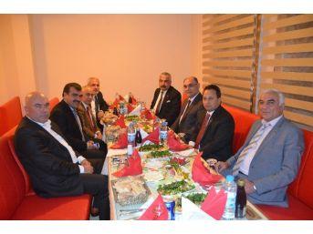 Mhp'li Belediye Başkanları Bir Araya Geldi