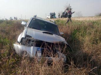 Traktör İle Kamyonet Çarpıştı: 2 Yaralı