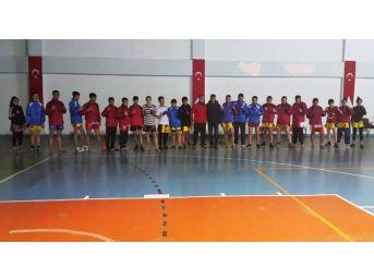 Tatvanlı 30 Sporcu Muaythai Bölge Şampiyonası'na Katılıyor