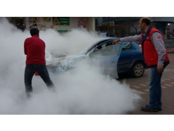 Sürücü Kursuna Ait Otomobil, Seyir Halinde Alev Aldı