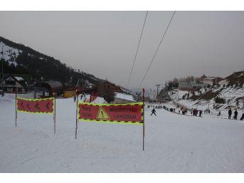 Bursa Ve Erzurum'da Yaşanan Ölümler, Kayak Merkezlerindeki Güvenlik Tedbirlerini Akla Getirdi