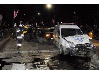 Eskişehir'de Feci Kaza: 4 Yaralı