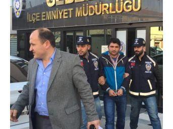 İşadamlarından, 'ceza' Tehdidi Ile Para Isteyen Sahte Başkan Yardımcısı Yakalandı