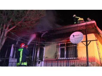 Körfez'de Ev Yangını: 1 Yaralı