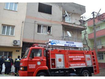 Soba Bomba Gibi Patladı Ev Savaş Alanına Döndü