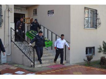 Apartmanın 4. Katında Çıkan Yangında Ev Sahibi Kadın Yanarak Hayatını Kaybetti