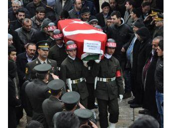 Trafik Kazasında Ölen Astsubay Askeri Törenle Uğurlandı