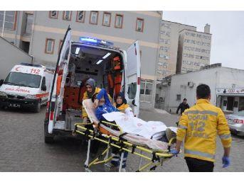 Fabrikaya Gelip 4 Kişiyi Bıçakladı,1 Kadına Da Otomobiliyle Çarptı