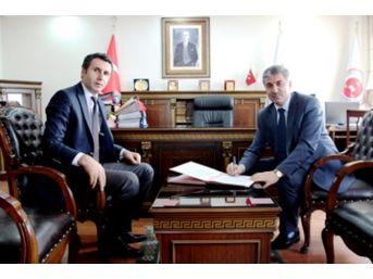 Tatvan Belediyesi'nden İşbirliği Protokolü