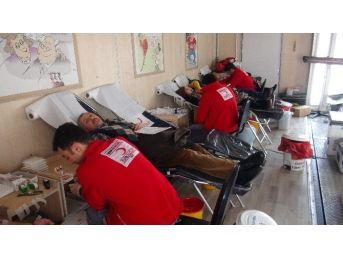 Tatvan'da Kızılay Kan Bağış Kampanyası