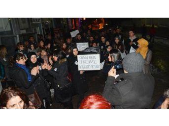 Tatvan'da Özgecan Için Meşaleli Yürüyüş