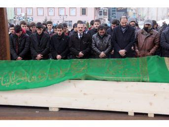 Muhsin Yazıcıoğlu'nun Annesi İçin Gıyabi Cenaze Namazı Kılındı