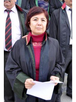 Uşak Barosu Avukatları Özgecan Cinayetini Kınadı