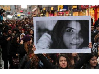 Zonguldak'ta Liseliler Özgecan'ın Öldürülmesini Protesto Etti