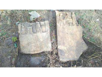 Evinin Bahçesinde Roma Dönemine Ait Lahit Buldu