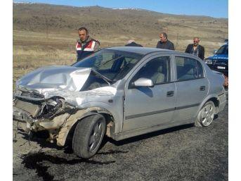 Aşırı Hız Yapan Araç Bariyerlere Çarparak Durabildi