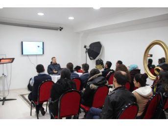 Bitlisli Usta Fotoğrafçılardan Eğitim Semineri