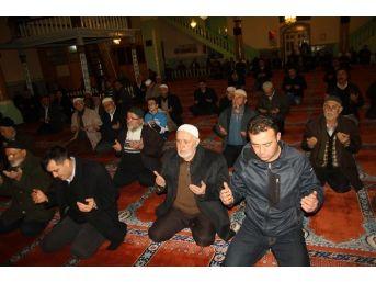Prof. Dr. Necmettin Erbakan, Burdur'da Dualarla Anıldı